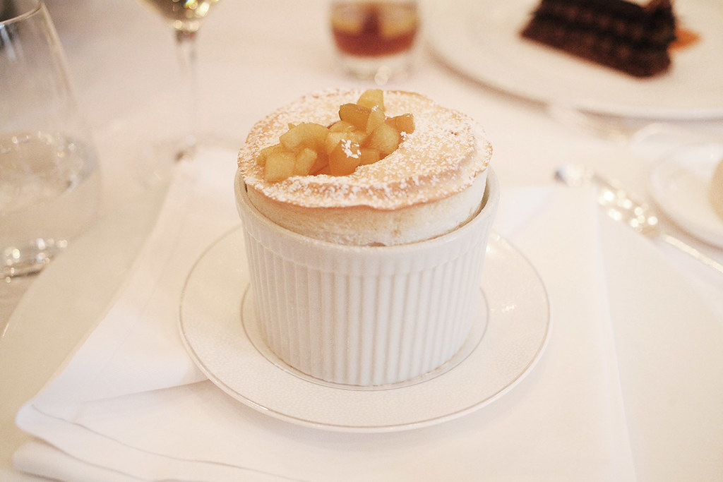 the-langham-hotel-lunch-menu-apple-souffle
