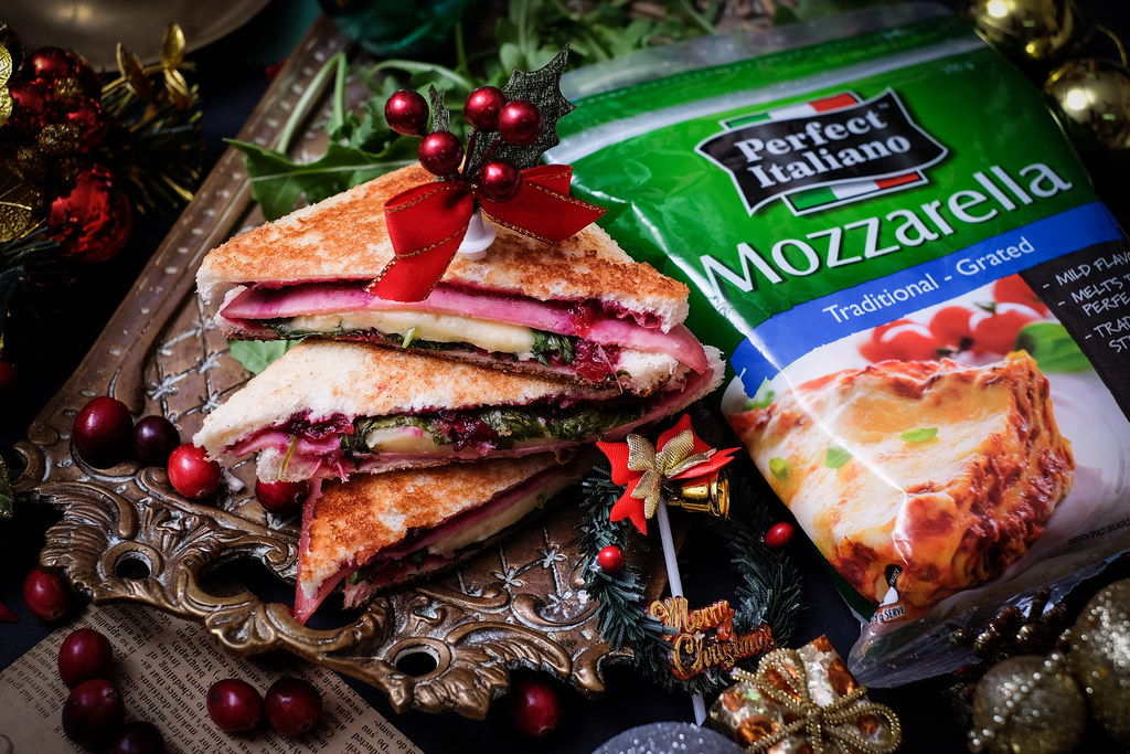 mozzarella-cranberry-toasties-perfect-italiano