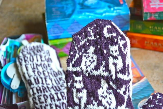 FO: Jeni's OWL mittens
