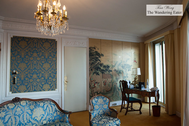 Chinoiserie style deluxe room