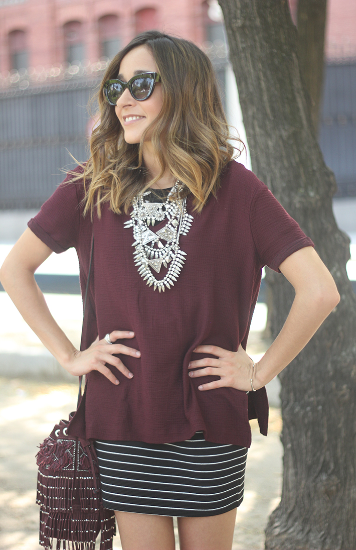 Striped Skirt With Burgundy T-shirt And Fringed Bag Summer Outfit22