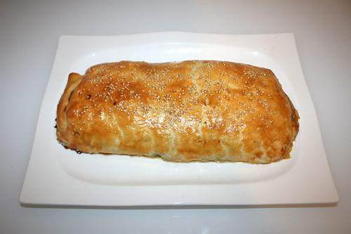 45 - Savoury zucchini strudel - Finished baking - served / Herzhafter Zucchini-Strudel - Fertig gebacken - Serviert
