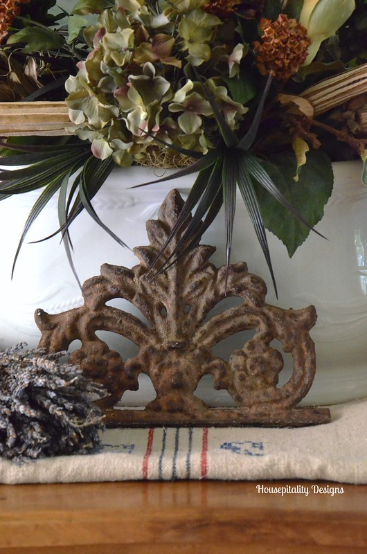 Decorative Iron Medallion - Housepitality Designs