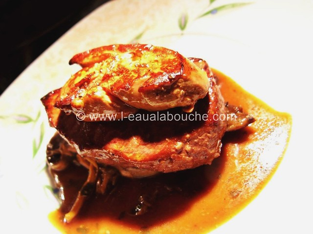 Pavé de Rumsteack & Foie Gras Poêlé sur Lit de Champignons © Ana Luthi Tous droits réservés 003_GF