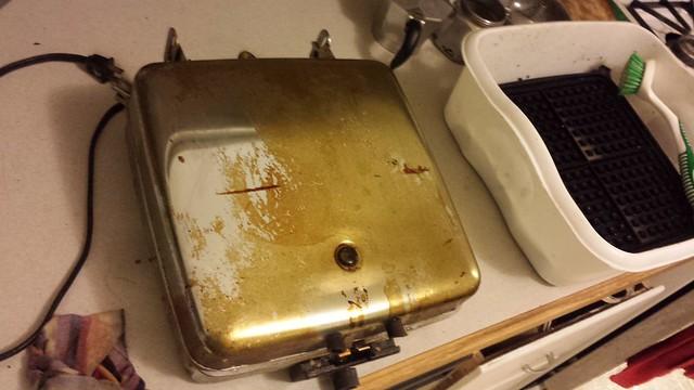 Waffle iron refurbishing