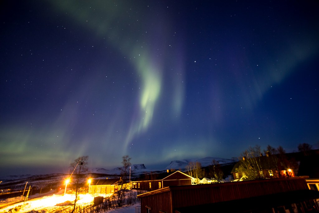 On the last night of our ski trip in Abisko, we are treated with some nice aurora above Lapporten. Lappland. Sweden. #pic16april2015