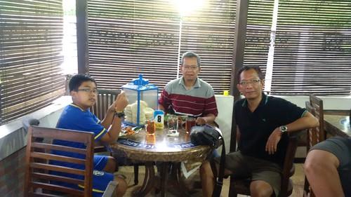 Makan gudeg Yu Djum bersama Om Yoyok