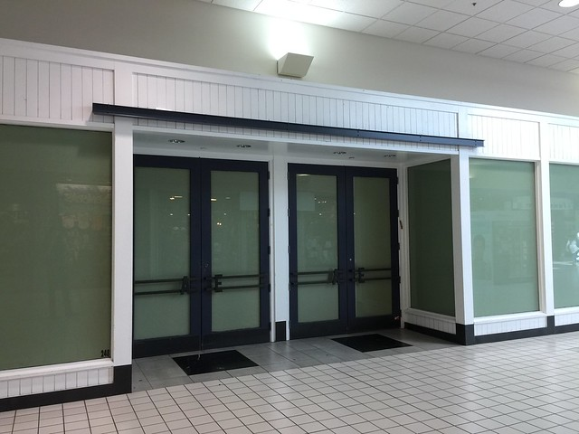Former American Eagle Outfitters - West Valley Mall