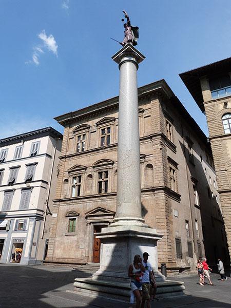 piazza santa trinita firenze