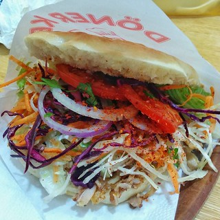 Today for lunch, we sampled that super German specialty, the döner kebab.