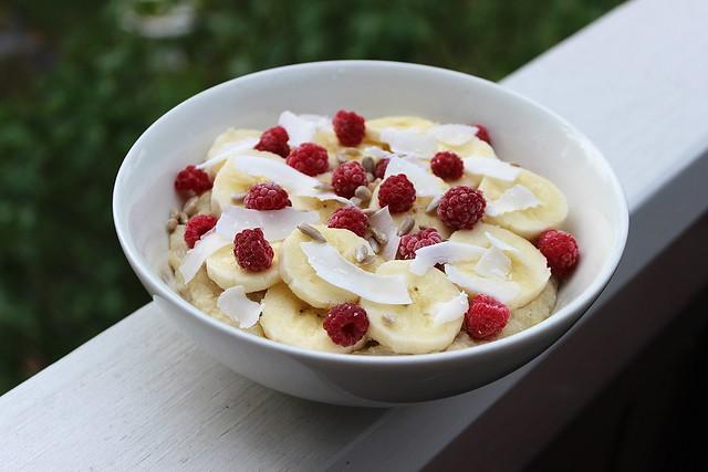 Kvinoa-kookos-vadelma puuro5