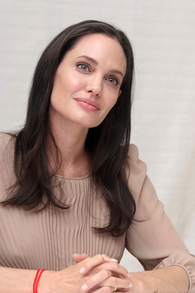 Анджелина Джоли — Пресс-конференция «Лазурный берег» 2015 – 63