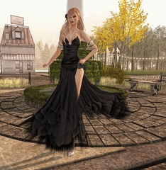Sabrymoon wearing Morea Style Linda gown