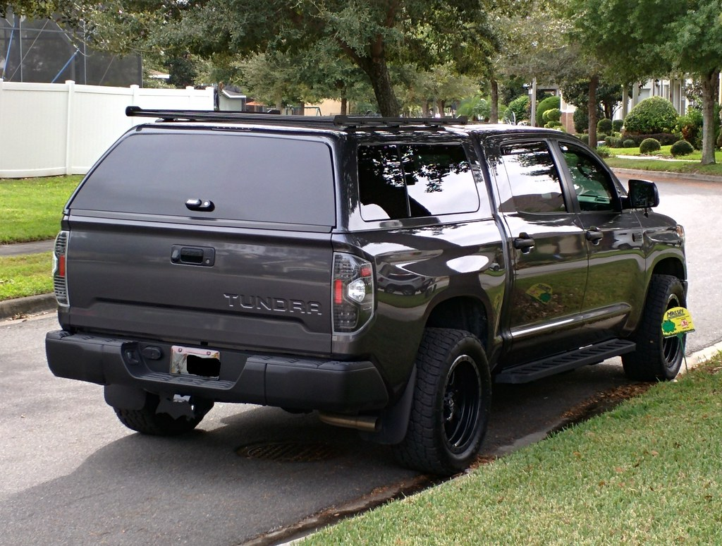 Snug top or leer on a crewmax tundratalk net toyota tundra discussion forum