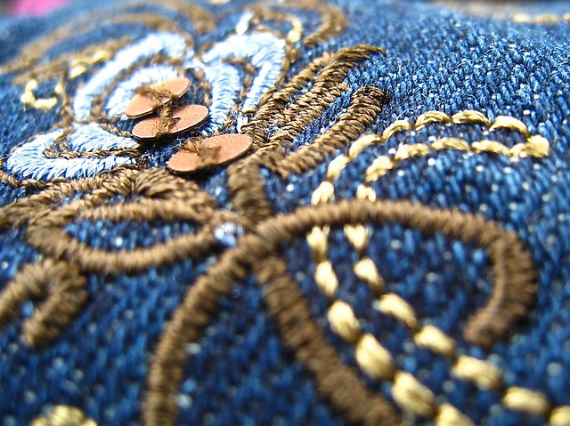 macomonday- stitches and sequins, Canon POWERSHOT SD870 IS