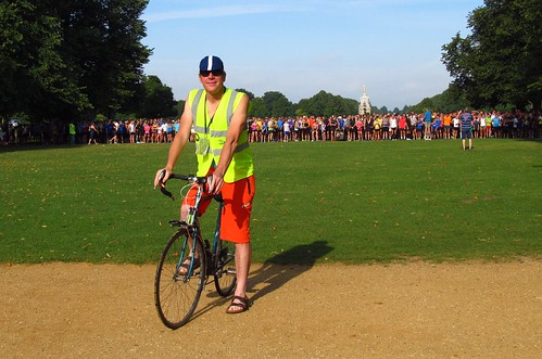Andrew Ronksley on lead bike