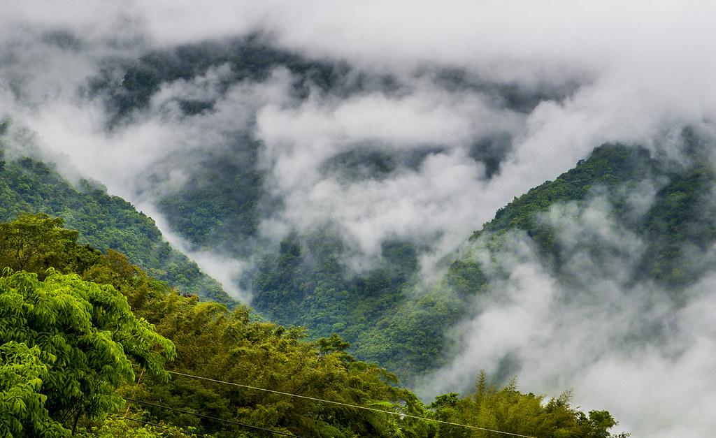 [新增影片] 雷雨後六十石山