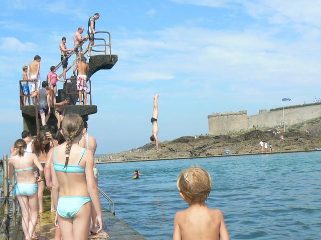 SAINT-MALO (35) - Piscine d'eau de mer de la plage de Bon Secours