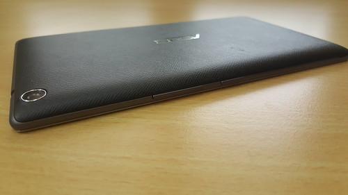 ASUS ZenPad 7.0 (Z370CG) ด้านขวา