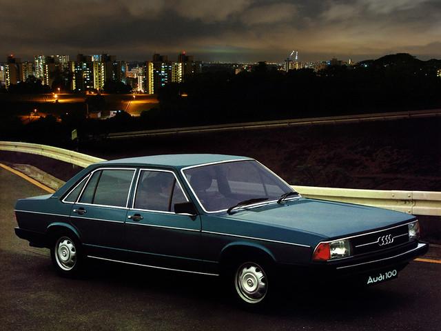 Седан Audi 100 C2 для рынка Британии. 1976 – 1980 годы