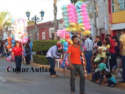 Desfile de anuncio del Carnaval Autlán 2016.