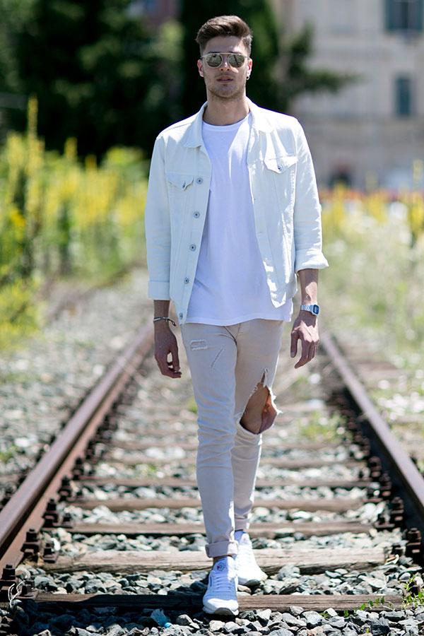 白Gジャン×白無地Tシャツ×白パンツ×Reebokクラシックレザー白