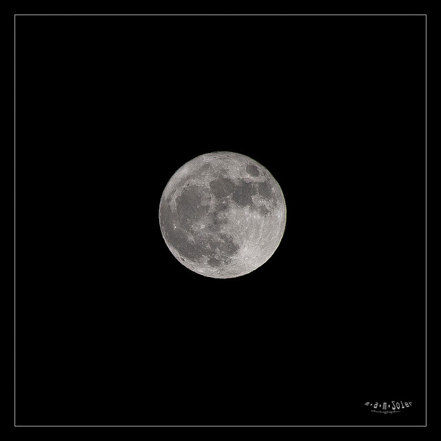 Moon2, Canon EOS 5D, Sigma 50-200mm f/4-5.6 DC OS HSM + 1.4x