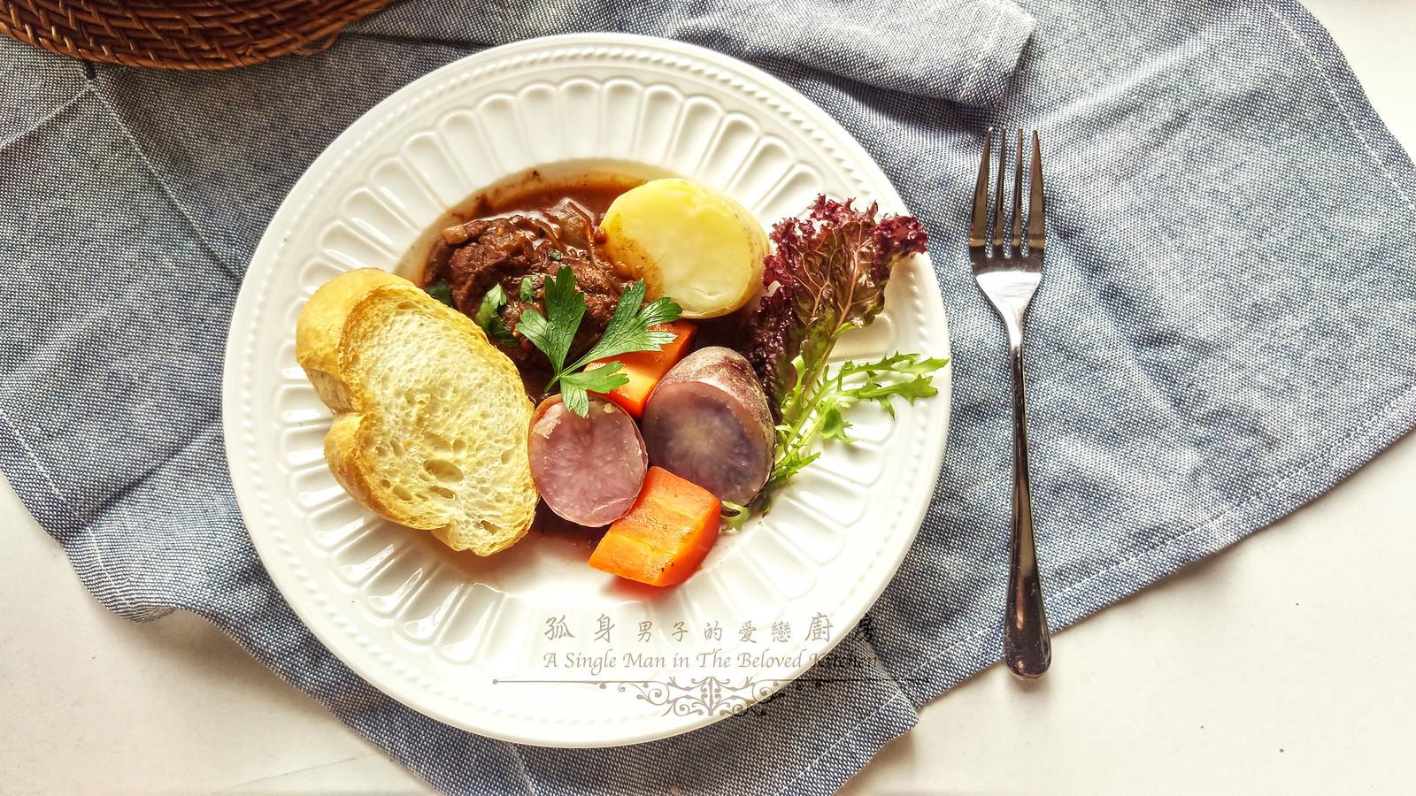 孤身廚房-香草使用不手軟!我的招牌香料燉牛肉35