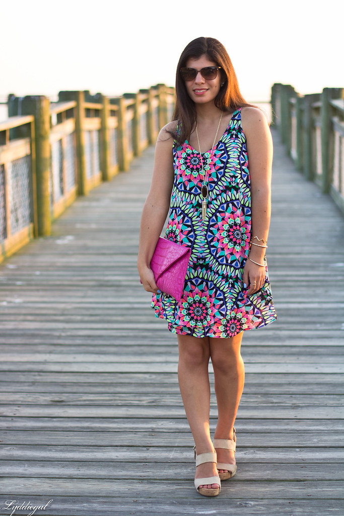 kaleidoscope print swing dress, pink clutch.jpg