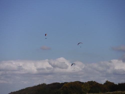 Gliders over Sharpenhoe Clappers