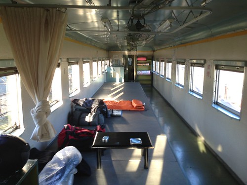 hokkaido-michinoeki-okoppe-train-hostel-inside-bed