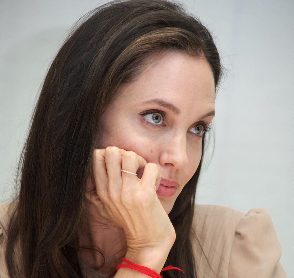 Анджелина Джоли — Пресс-конференция «Лазурный берег» 2015 – 8