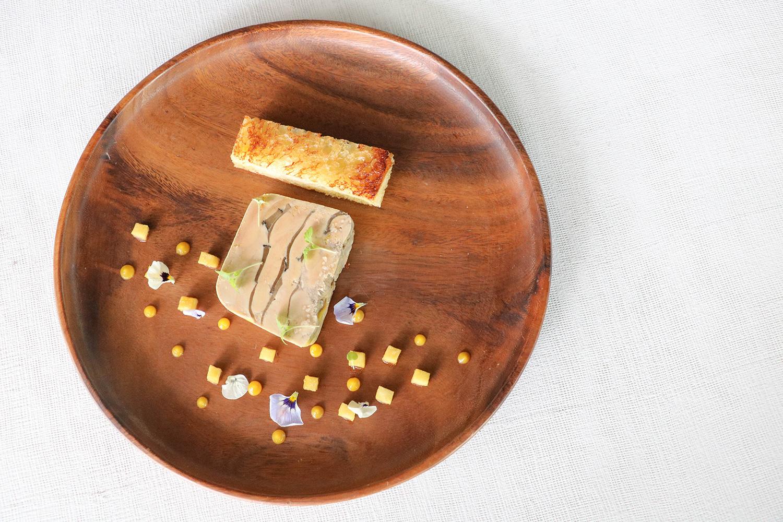 Quayside-Isle_Saint-Pierre_Black-truffle-marbled-foie-gras-terrine,-brioche,-sauternes-jelly