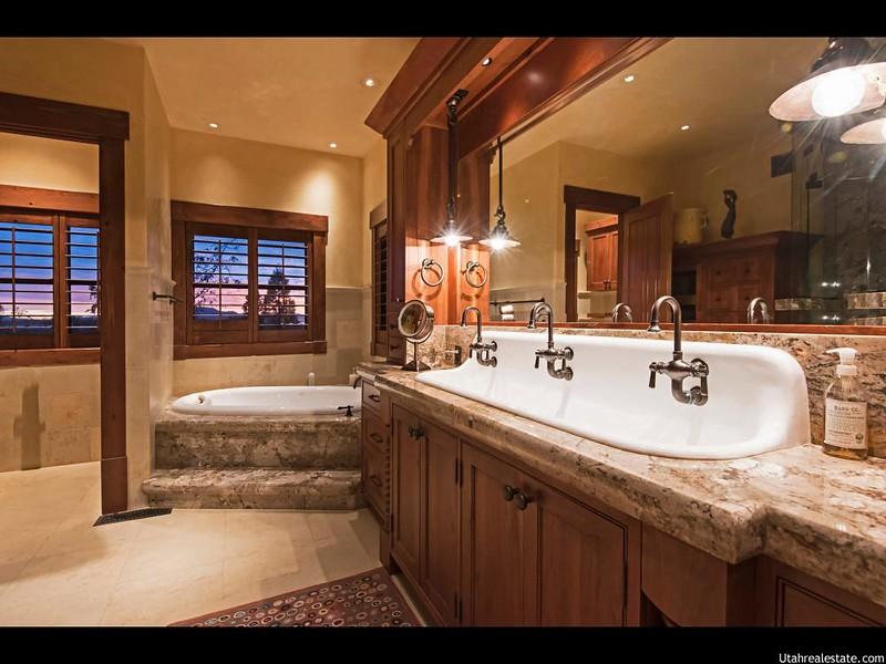 Дорогой дизайн ванной комнаты