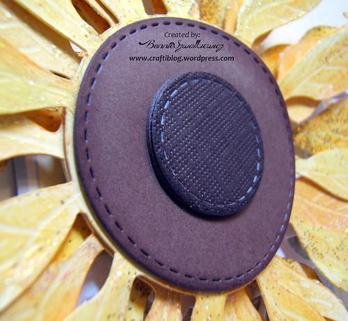 2015-12-21   SVGcuts sunflower freebie 032313 (2)