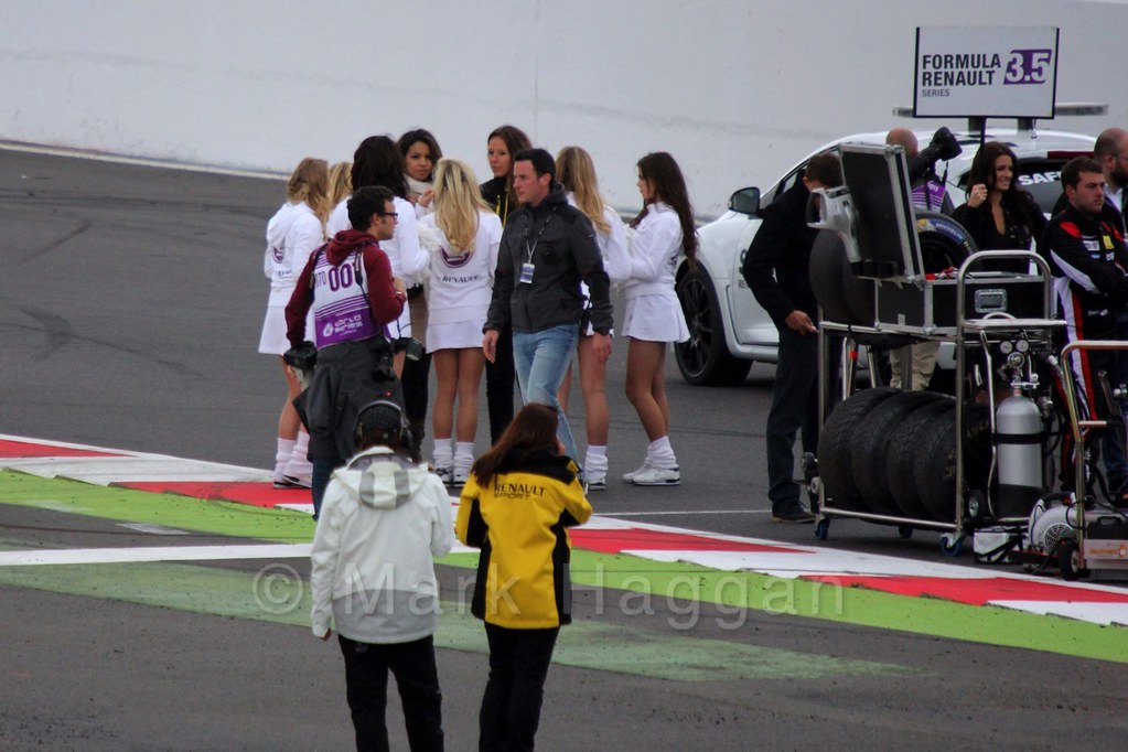 The Renault Cheerleaders on the Grid for the WSR 3.5 Saturday Race at Silverstone