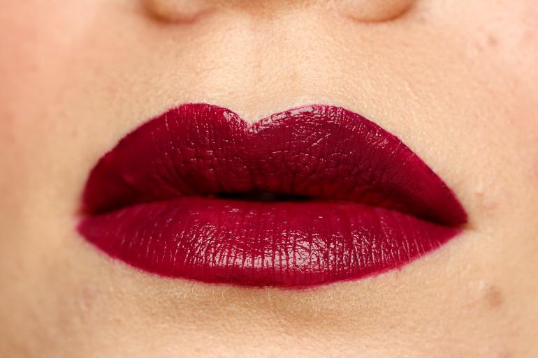 Estée Lauder Pure Color Envy Liquid Lip Potion True Liar / Fashion is a party