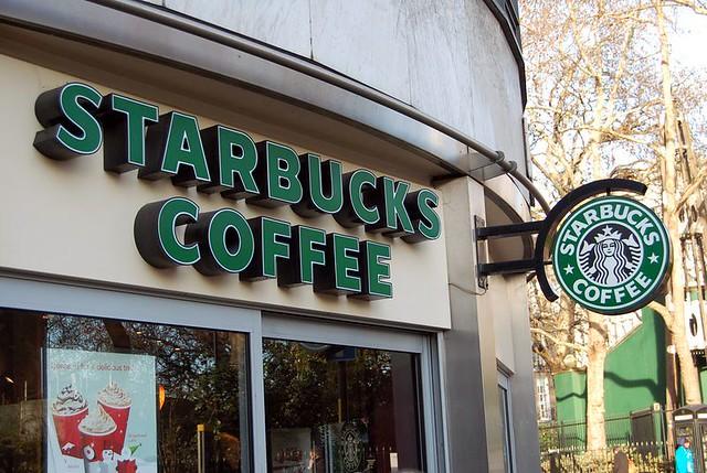 Starbucks aceptara Apple Pay