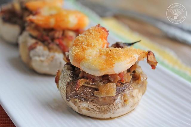 Champiñones rellenos bacon y langostinos www.cocinandoentreolivos.com (2)