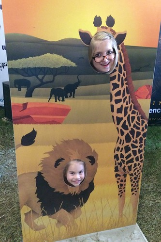 Lucy the lion & Catie the giraffe
