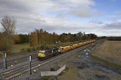 079 on Heuston-Portlaoise HOBs train at Stacumny bridge 30-Oct-15