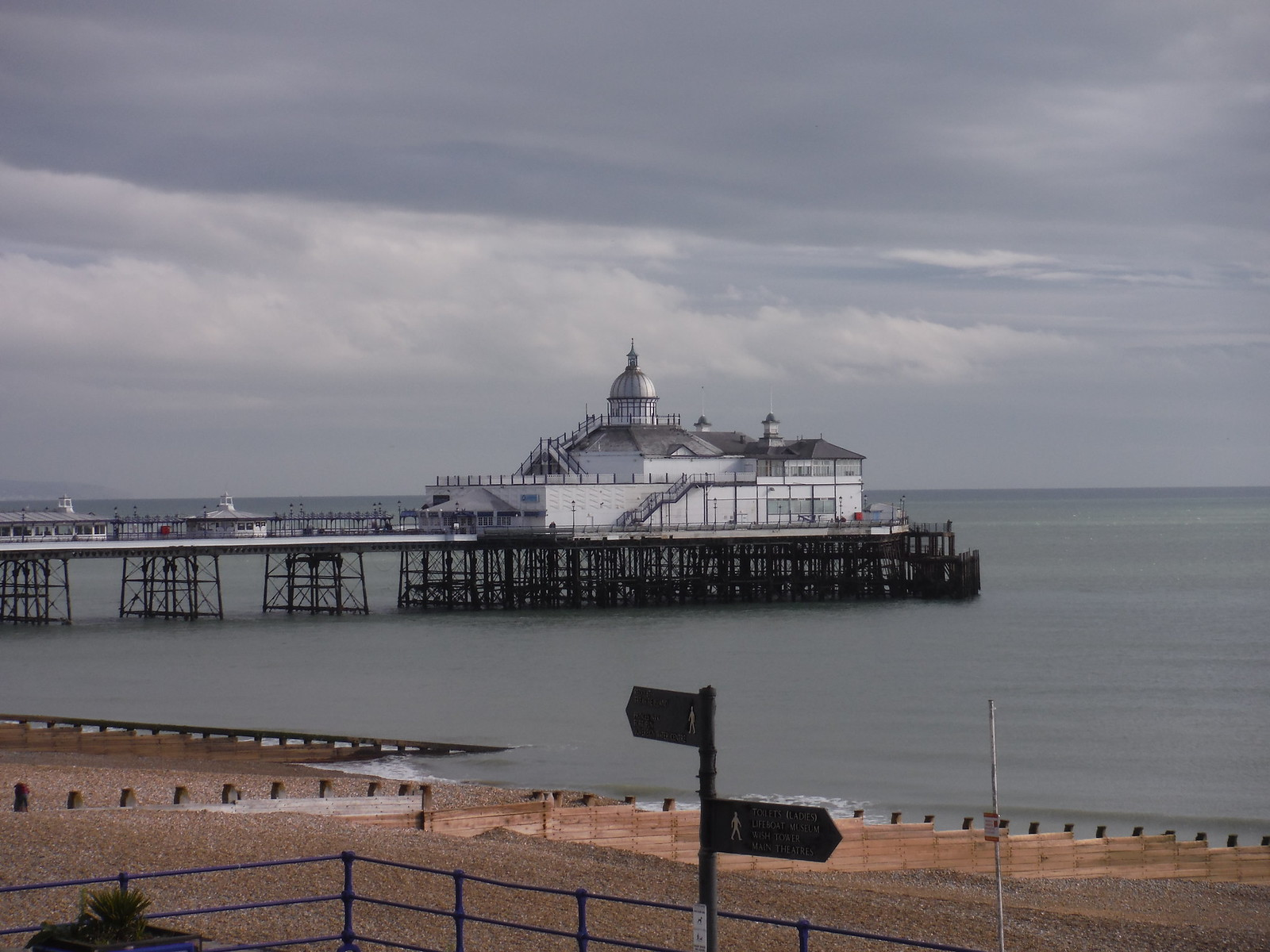 Eastbourne Pier SWC Walk 25 - South Downs Way 8 : Southease to Eastbourne