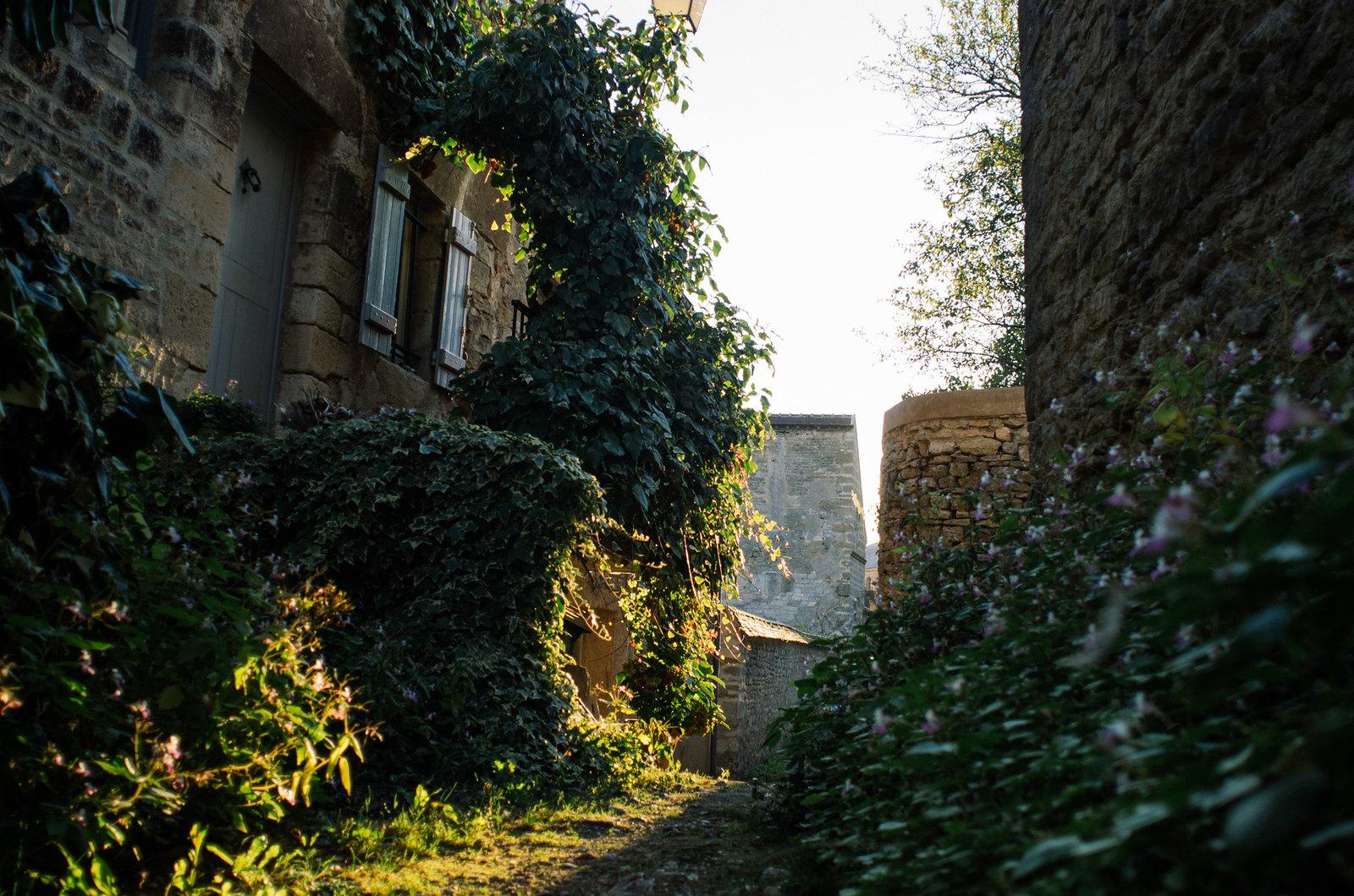 Vézelay, mystique et ésotérique - Dans les ruelles pavées du village médiéval