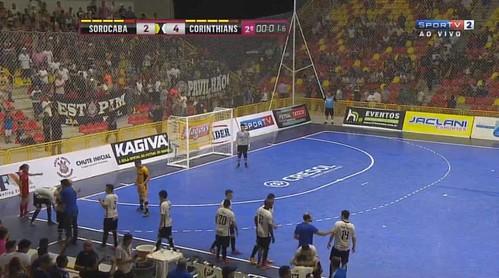 Fim de jogo na Arena Sorocaba! O Corinthians vence o Sorocaba de virada por 4 a 2 no 1º jogo da final da Liga Paulista de Futsal! Jogo da volta será dia 1° de dezembro no Parque São Jorge. #LPF2016