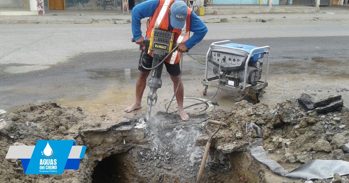 En San Felipe arreglan fuga de agua potable
