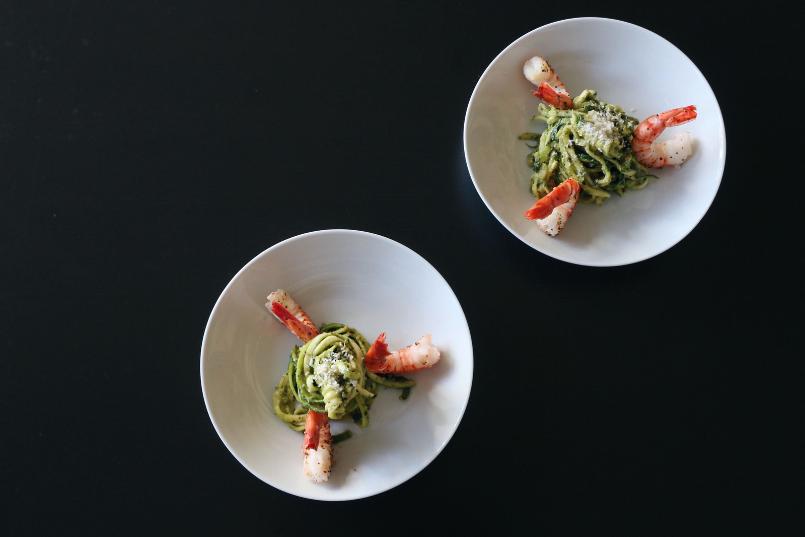 kale pesto zoodles with prawns 1