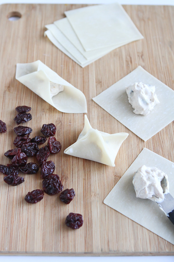 Baked Tart Cherry and Cream Cheese Wontons…Healthy snack or dessert – you decide. 80 calories and 2 Weight Watcher PP | cookincanuck.com #GoTart #recipe