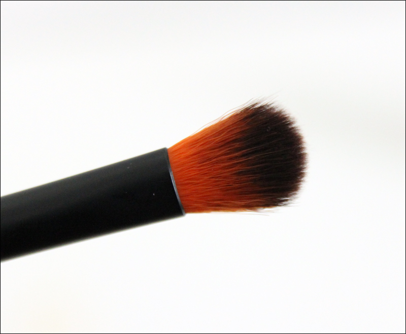 LH cosmetics 304 blending brush