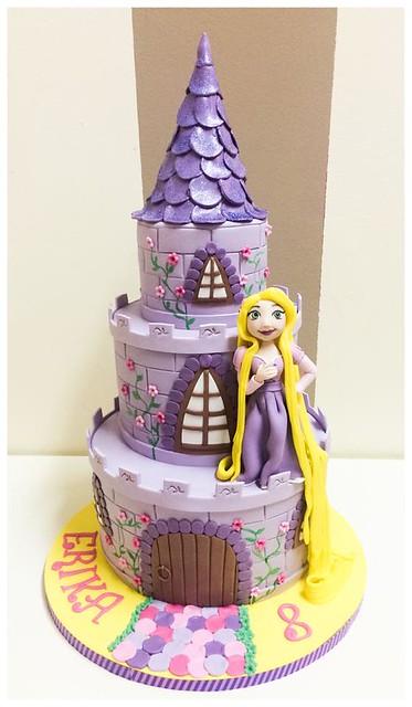 Cake by La Reina Pastelera