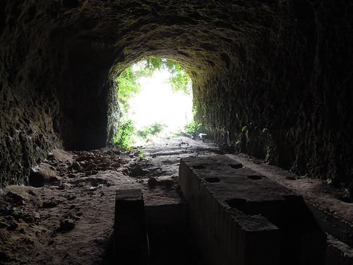 大神回天訓練基地_壕のコンクリート製作業台